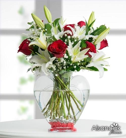Kalp Vazoda Güller ve Lilyumar